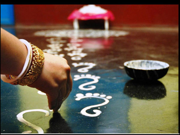 kojagari-Lakshmi-feet-alpona-bengal.jpg