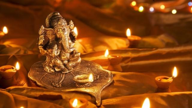 god_ganesh_at_diwali_festival-1024x576.jpg